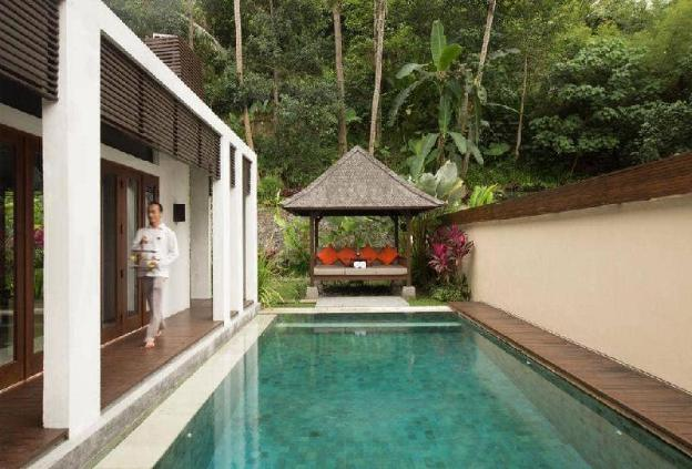 3BR Private Pool + Hot Tub + Dining Table + Sofa.