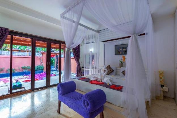 Great 1Bed Room Villa for Honeymooner in Kuta