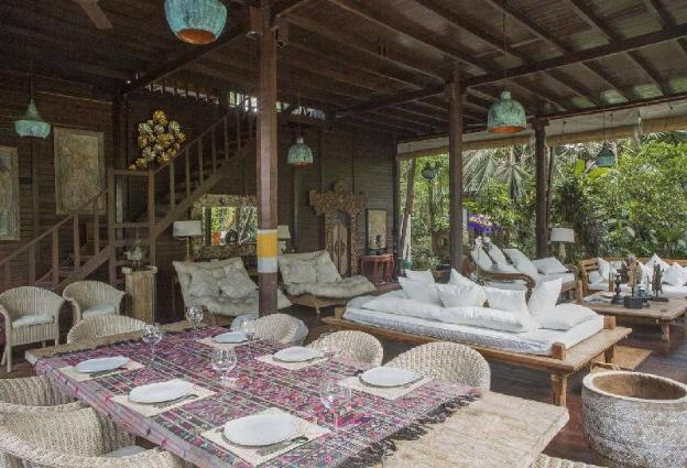 15percent OFF PROMO 6BDR JEAN Villa in UBUD w Pool