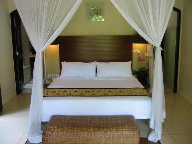 3BR Luxury Private Pool + Hot Tub + Breakfast