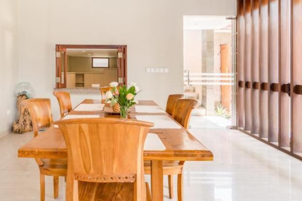 Canggu Walk to Beach Spacious Villa w Private Pool
