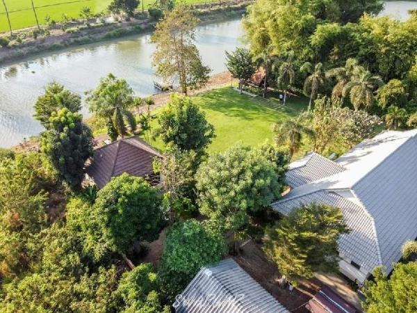 Hide & Seek River Villa Suphan Buri