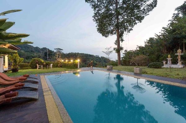 Karon Hillside Pool Villa Phuket