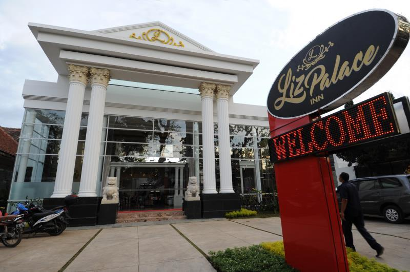 Liz Palace Inn