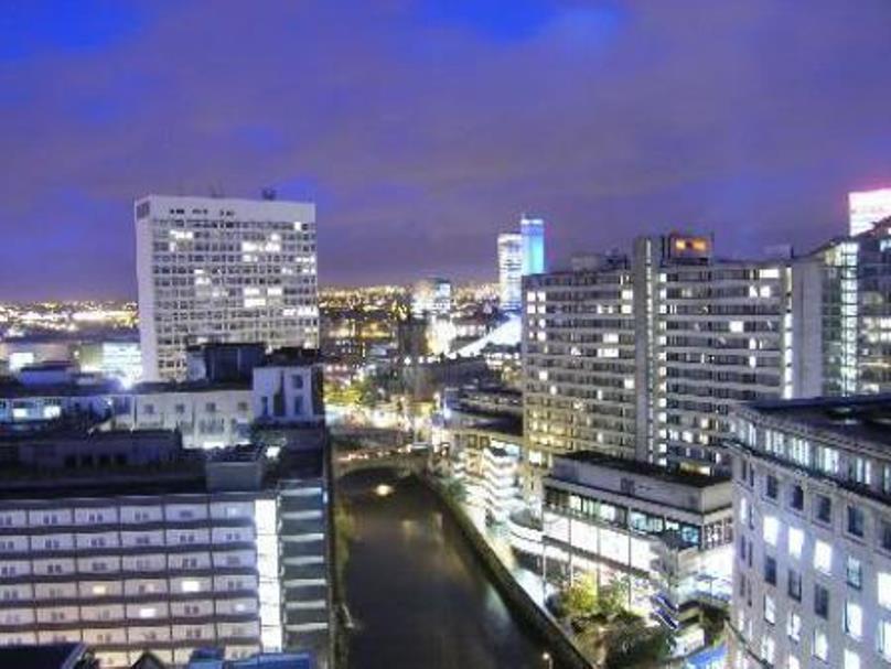 Travelling Light Apartments@Leftbank