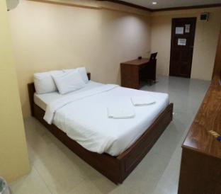 ピパポン ホテル Pipatpong Hotel