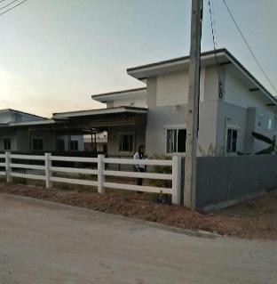 [クームアン]一軒家(100m2)| 4ベッドルーム/3バスルーム Sujitta Homestay