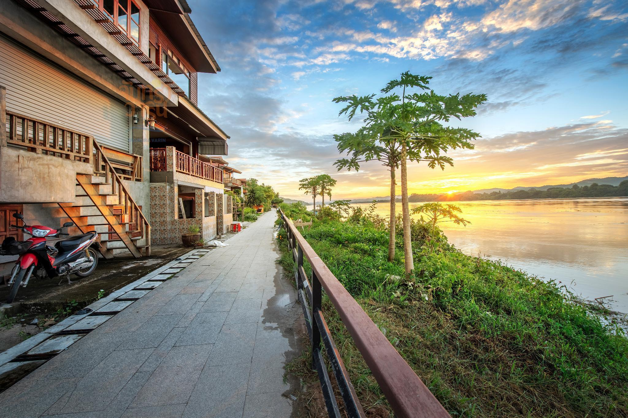 Chandra Varin Riverfront จันทรา วาริน ริเวอร์ฟรอนต์