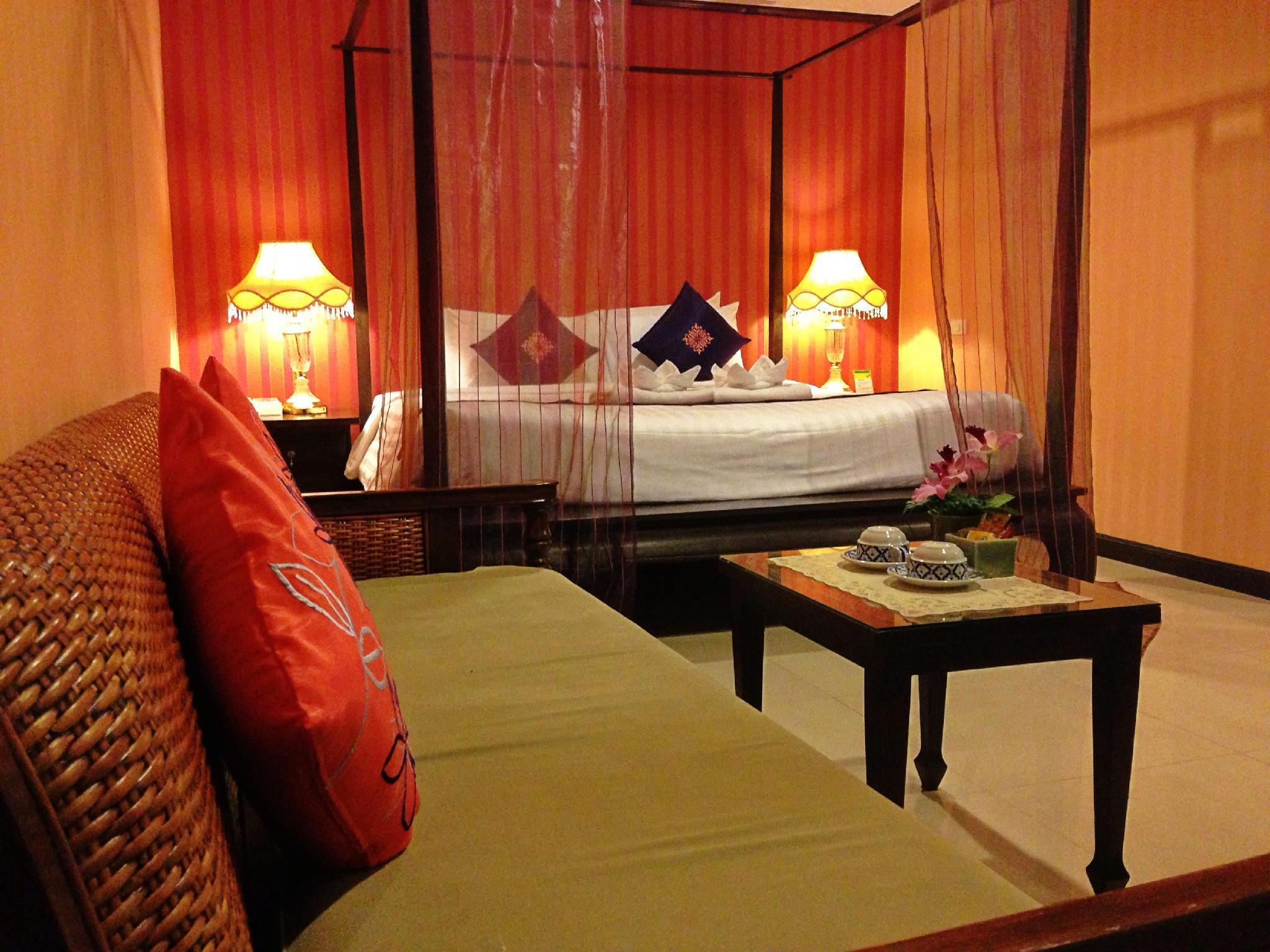 Na Thapae Hotel โรงแรม ณ ท่าแพ