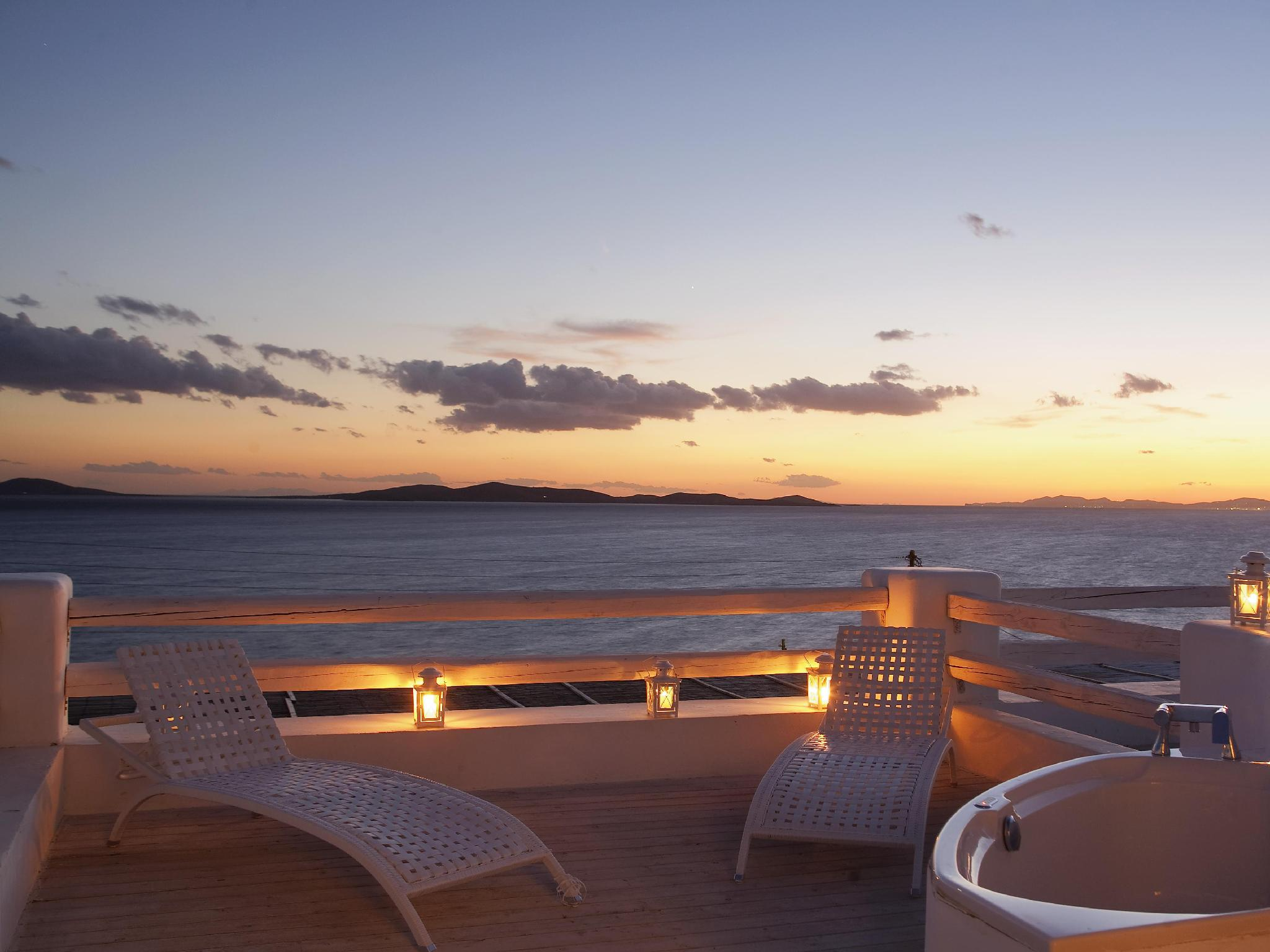 Mykonian Mare Luxury Suites Hotel