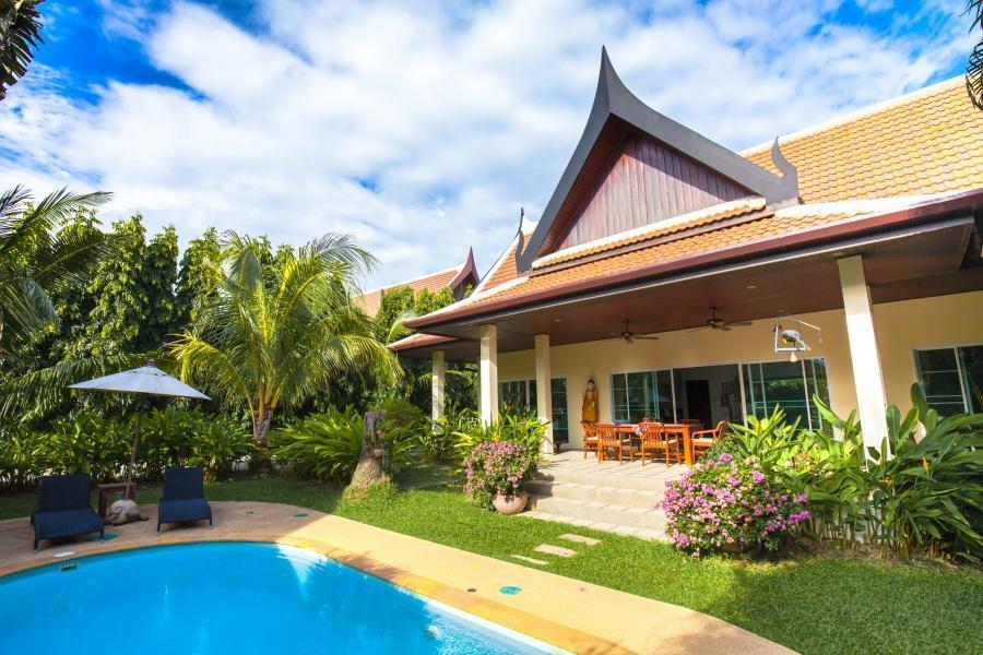 Convenient Family Villa with Pool Convenient Family Villa with Pool