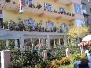 Gili Hotel