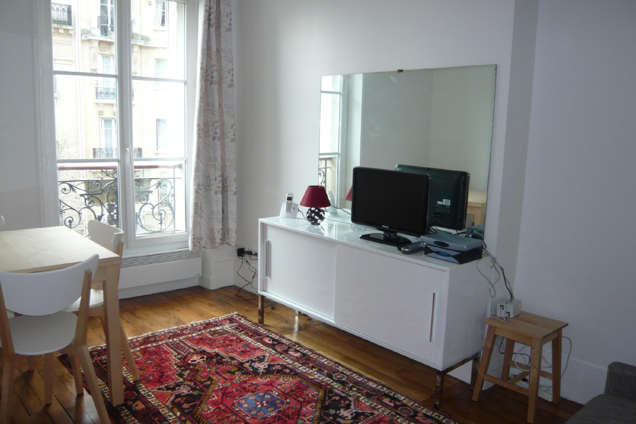 107241 - Apartment for 4 people with a view over the Eiffel Tower in Ecole Militaire
