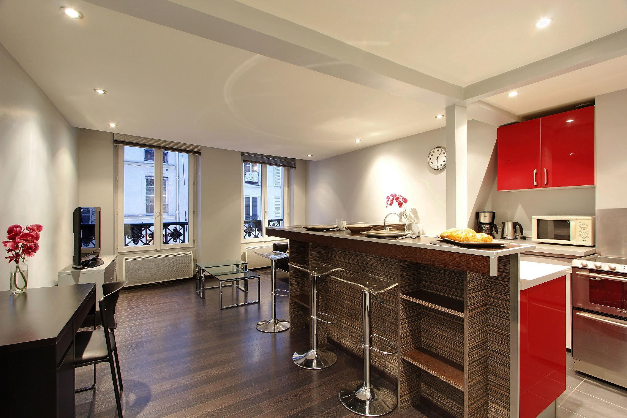 102002 - Contemporary flat for 2 people, Montorgueuil, metro Sentier