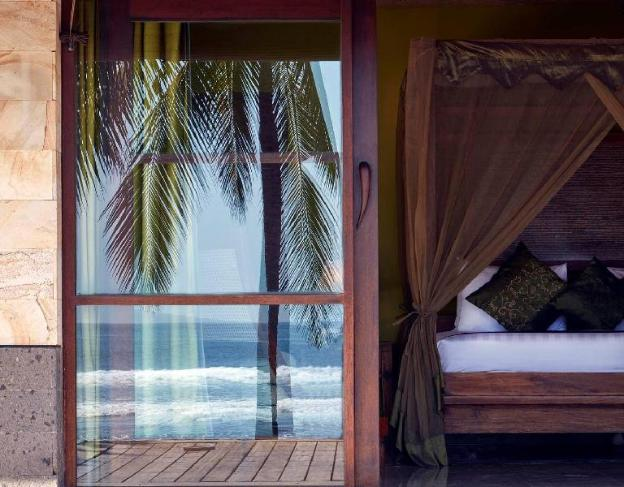 The luxury villa in natural beauty and privacy