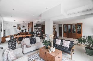 [サンサーイ]ヴィラ(500m2)| 6ベッドルーム/6バスルーム [Family Pool Villa] 6 Bedroom Luxury City Center