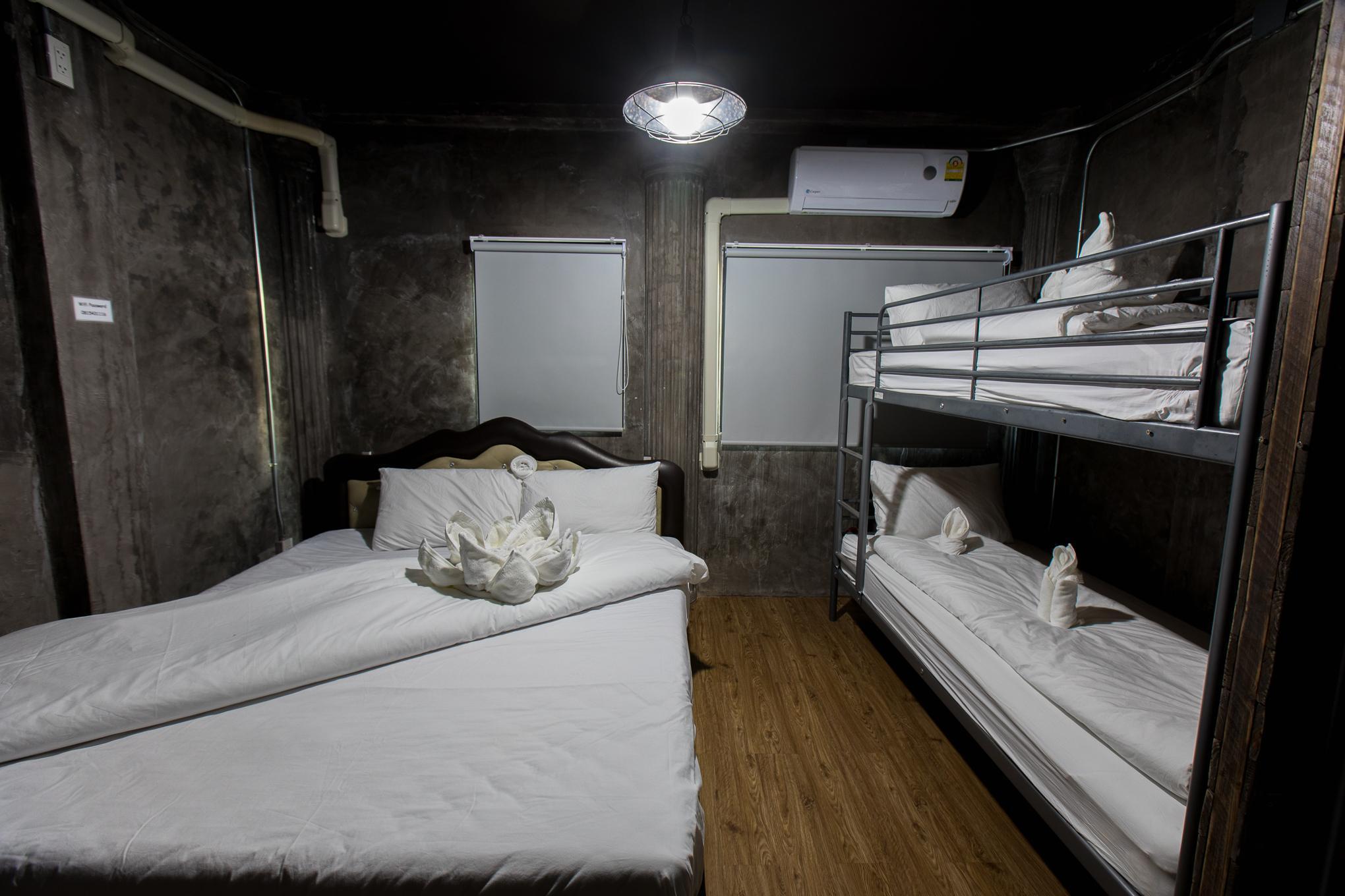 BB wong sawang Room No.2 / Loft style 1 min to MRT BB wong sawang Room No.2 / Loft style 1 min to MRT