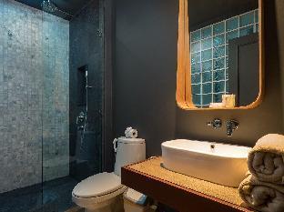 Perfect Pool Access Apartment With 1 Bedroom Saturdays condominium Phuket  Phuket Thailand