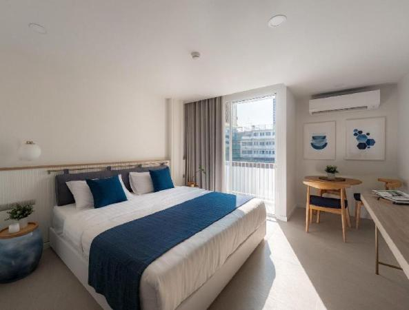 BLU395  /203 Room Bangkok