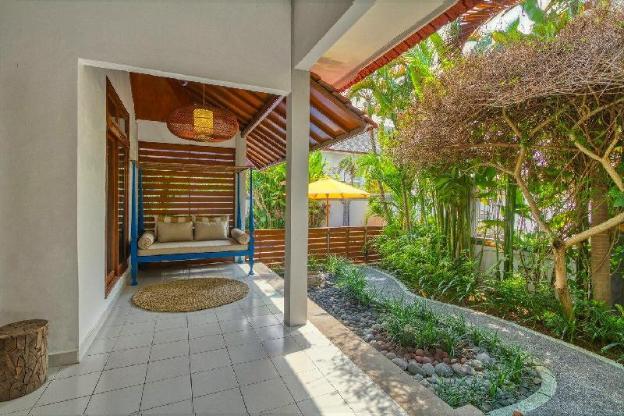 3BR bungalow (A) + pool in Batu Bolong, Canggu