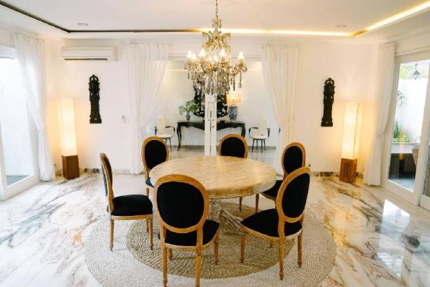 Luxury 5 bedroom villa in Batu belig
