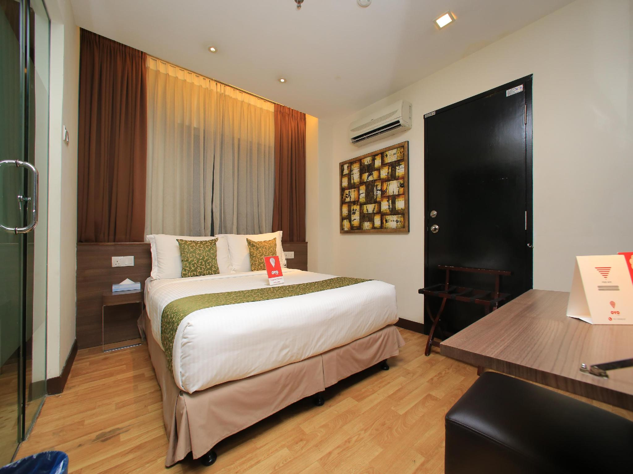 OYO 121 Frenz Hotel