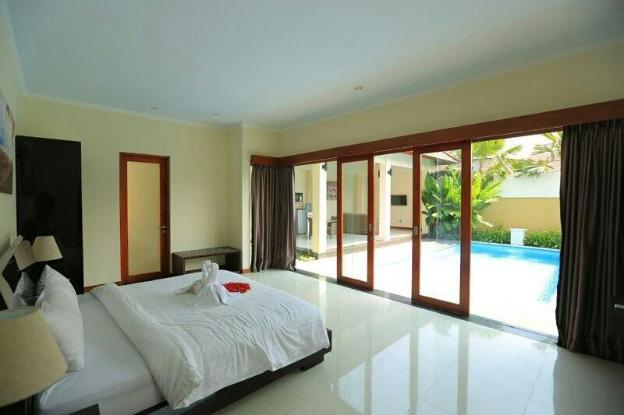1BR Private Pool Villa with Kitchen in Seminyak