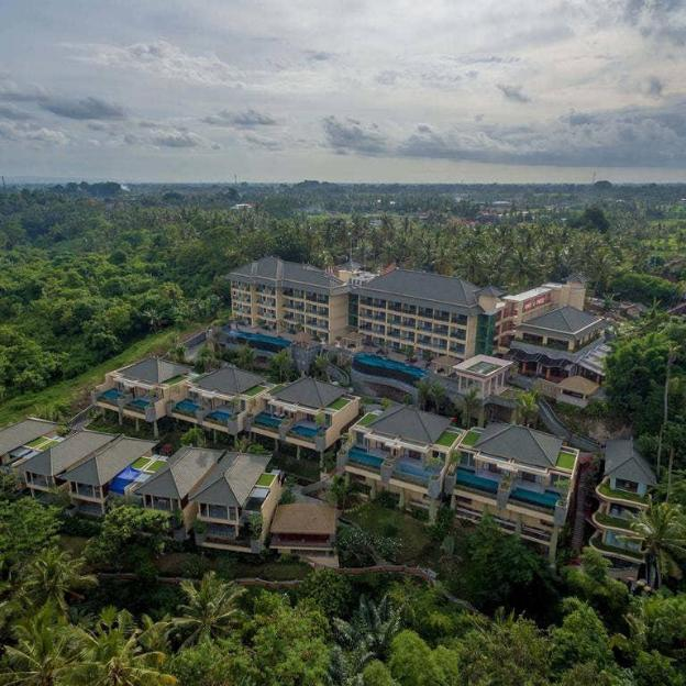 1BR Enticing Private Villa + Pool + Bfast+ Balcony