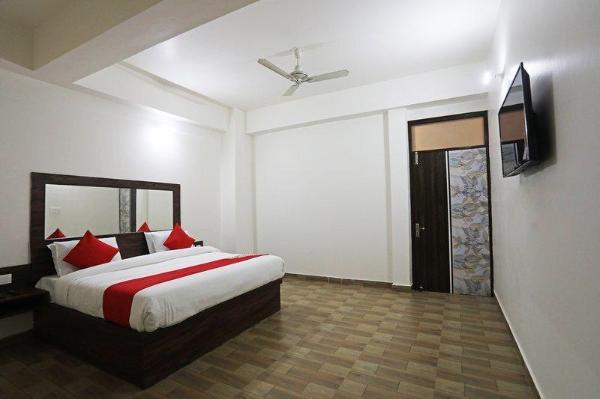 OYO 40002 Hotel Blue Shine New Delhi and NCR