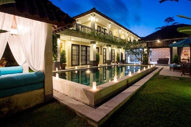 3BR Entire Huge Villa with Pool @Seminyak