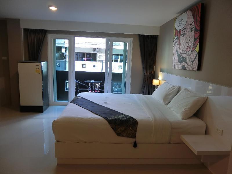 Crystal Suites Pattaya