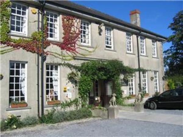 Ty Newydd Country Hotel Hirwaun