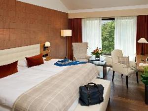 โรงแรมเคมปินสกี้ แฟรงค์เฟิร์ต กราเฟนบรุค (Kempinski Hotel Frankfurt Gravenbruch)