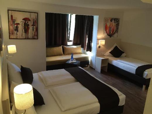 Hotel Lloyed