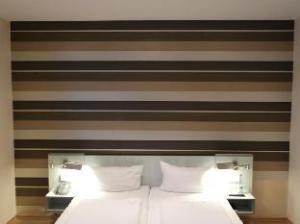 Hotel Attache