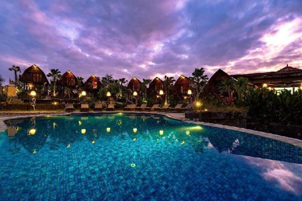Villa with Pool View-Breakfast TKU