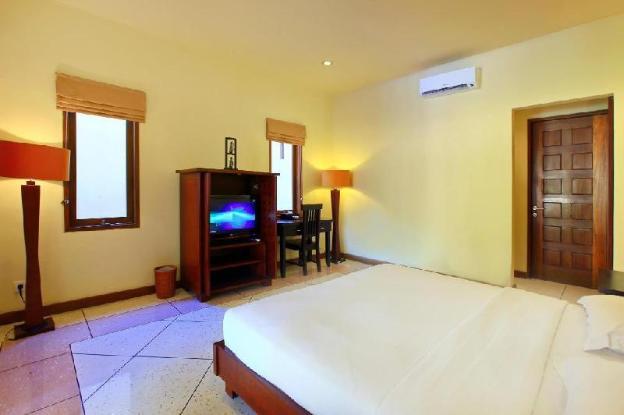ThreeBR Villa with Private Pool-Breakfast|TMJ
