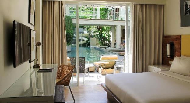 One BR Deluxe Pool with LuxuryandSpaciousGuestRoom