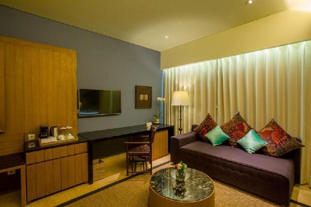 OneBR Suite Room - Breakfast