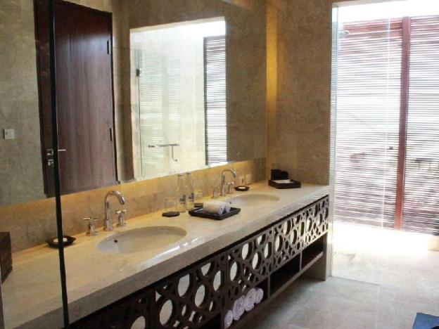 Three BR Suite with Private Pool - Breakfast