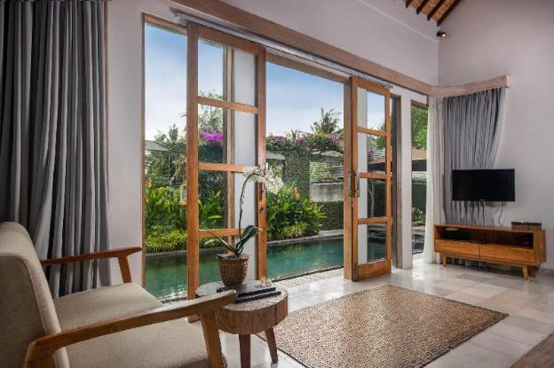 2 BR Villa with Private Pool + Brkfst @Ubud