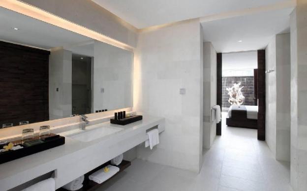 1 Bedroom Waterfall Villa + Breakfast @Seminyak