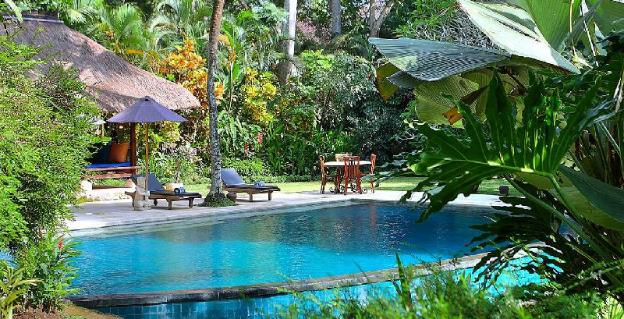 Four Bedroom Private Pool Villa + Brkfst @Jimbaran