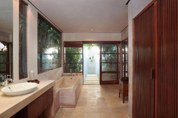 Two  BR Villa with Private Pool+ Brkfst @Seminyak