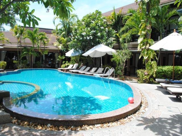แกรนด์ ไทย เฮาส์ รีสอร์ท – Grand Thai House Resort