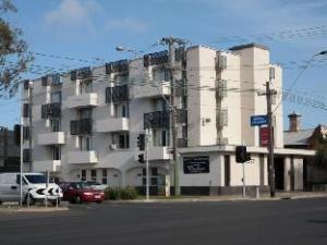 Parkville Place Apartments Hotel