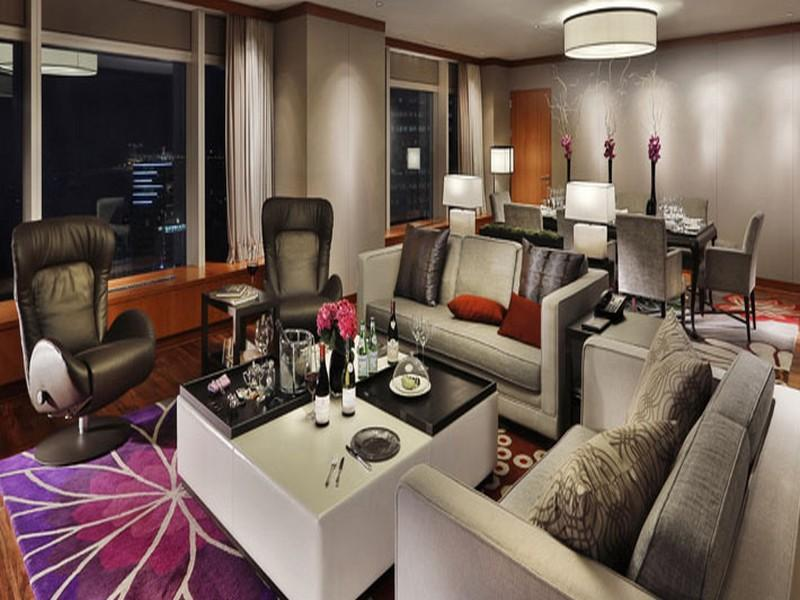 1 King Bed Club Presidential Suite