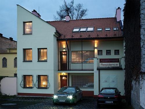 Apartment Residence   Free Parking
