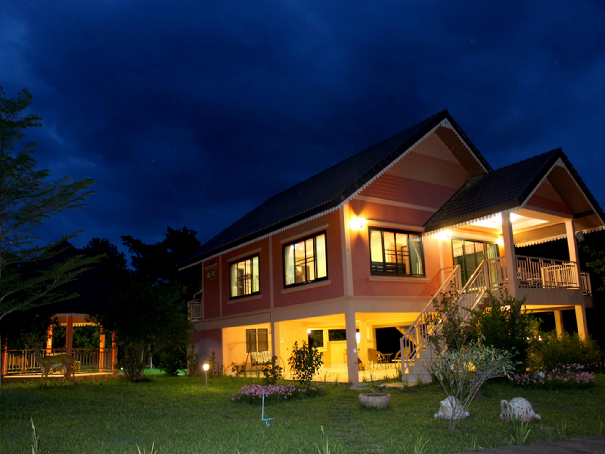 Maya Valley