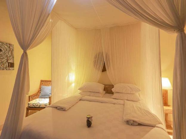 Luxury Deluxe Room + Breakfast + Spa Center